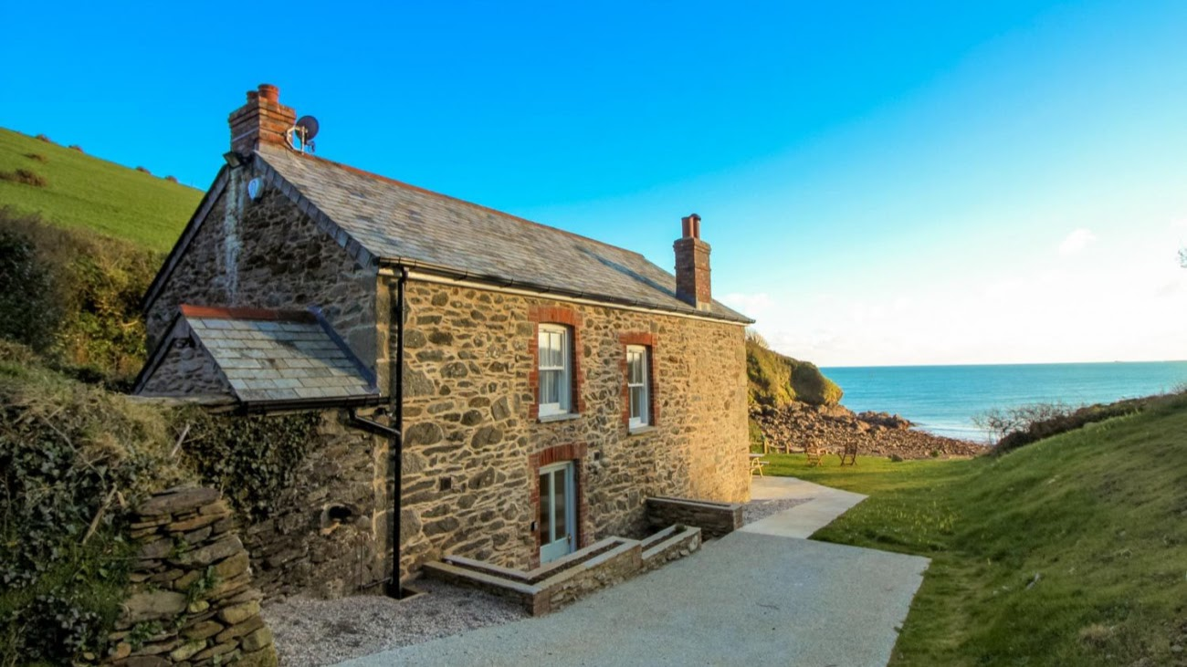holiday accomodation near mevagissey